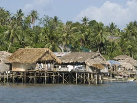 fishermen-s-stilt-houses-pilar-bicol-southern-luzon-philippines-southeast-asia-asia