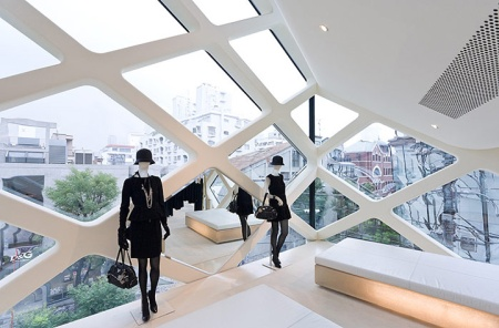 Prada-store-by-Herzog-and-De-MeuronTokyo-02